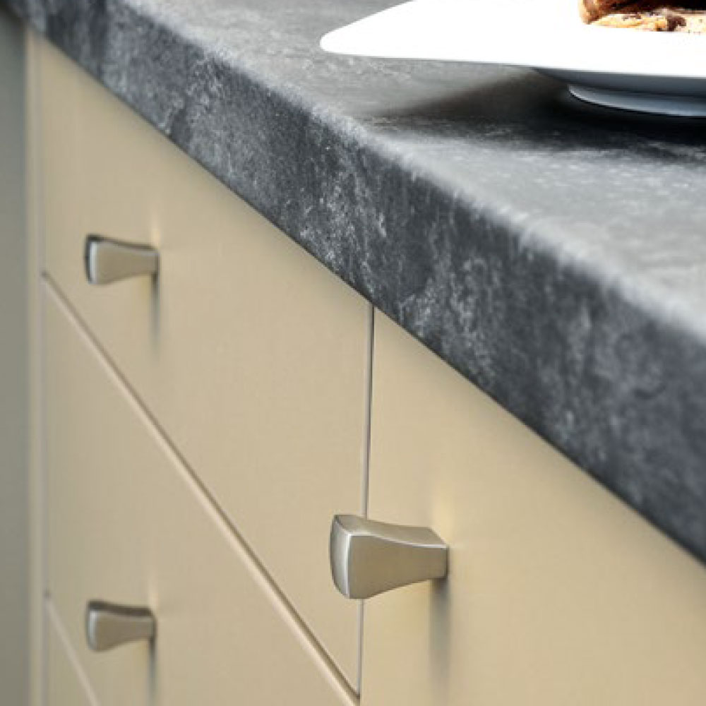 WE ARE HAPPY TO HELP YOU FIND THE RIGHT HANDLE